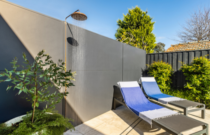 SlimWall perfectly suits the modern extension of this Art Deco House