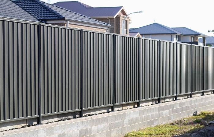Acoustic Fencing vs Colorbond Fencing | ModularWalls