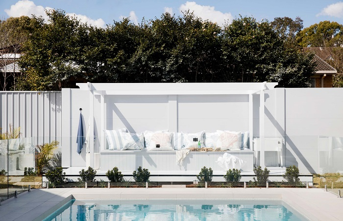 Three Birds Renovations' Outdoor Rooms Using VogueWall | ModularWalls