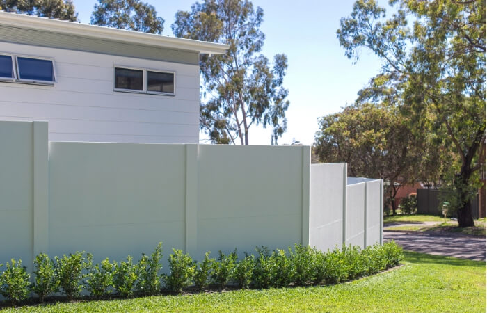 The BAL 40 Fence That Saves Time and Money | ModularWalls