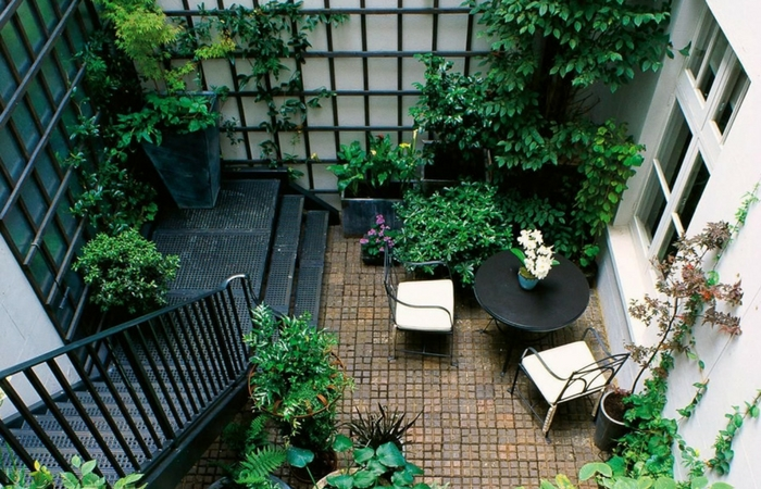 Tips & Ideas For Transforming Your Courtyard | ModularWalls