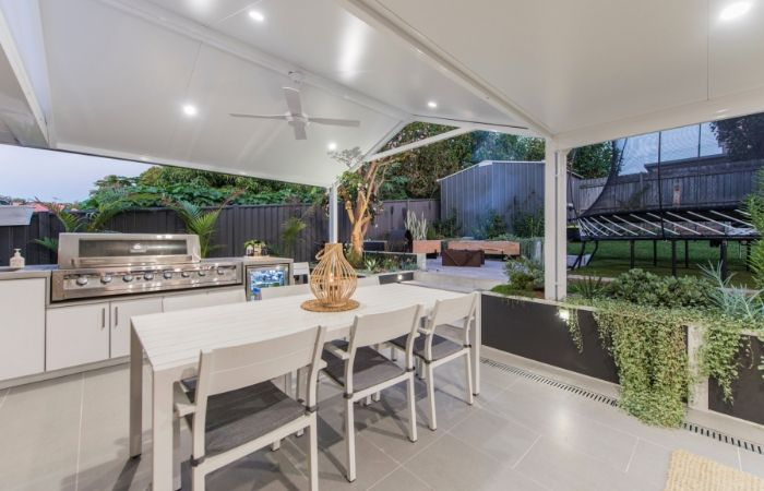 Before & After Outdoor Kitchen Renovation With DIY Retaining Wall | ModularWalls