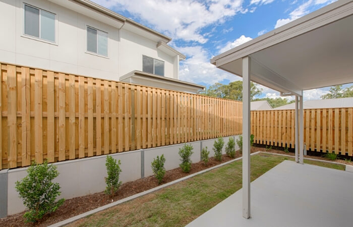 The 10 Different Types of Fencing - Timber Fencing | ModularWalls