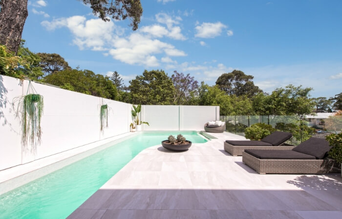 Experienced Renovator Sings High Praises of DIY VogueWall Pool Wall | ModularWalls