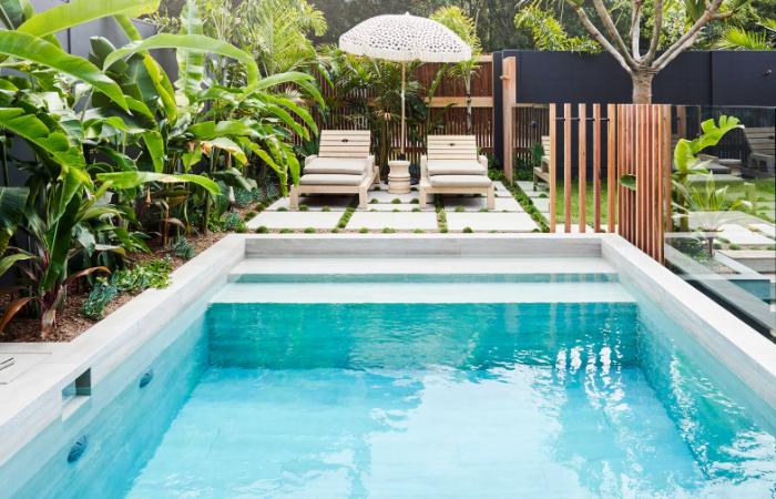 Tropical Pool Landscaping - VogueWall | ModularWalls