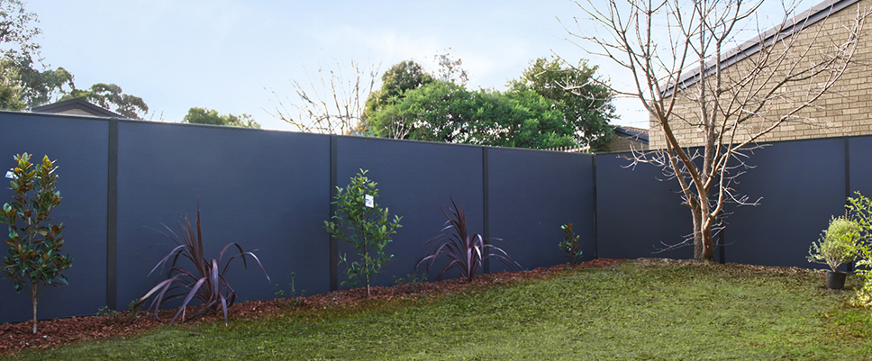 Style Curator Chooses SlimWall for Backyard Makeover | ModularWalls
