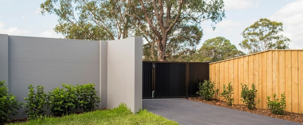 A complete guide to choosing the right fencing for your home | ModularWalls