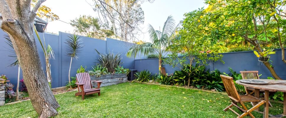 Reduce Noise with Acoustic Fencing for your Backyard | ModularWalls