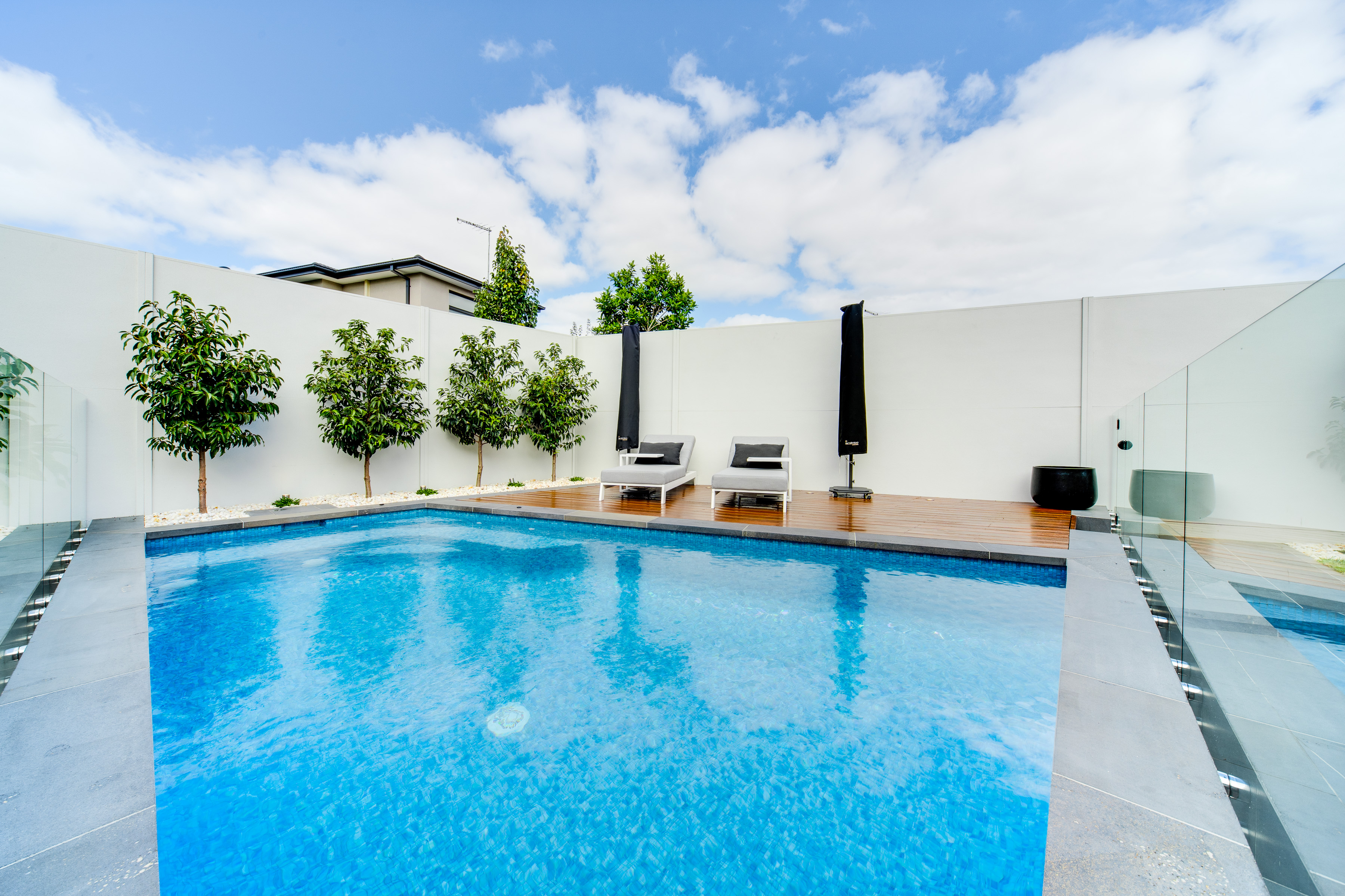 Privacy and dividing pool fence