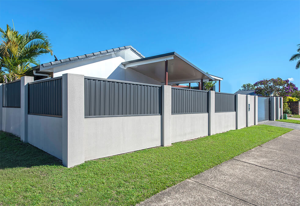 Front wall with flush capping and corrugated infills