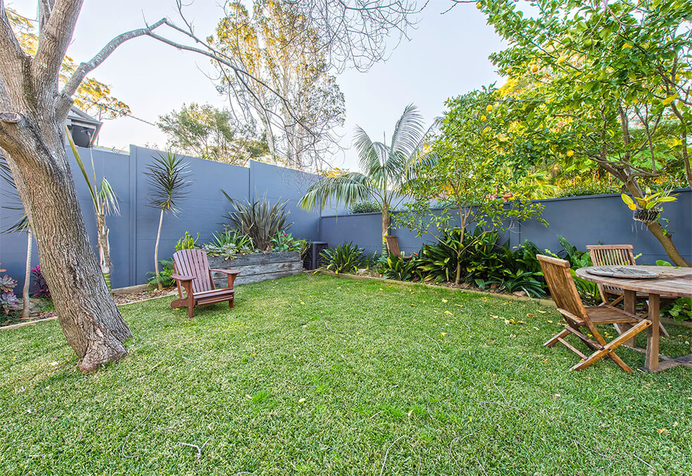 Backyard privacy boundary wall