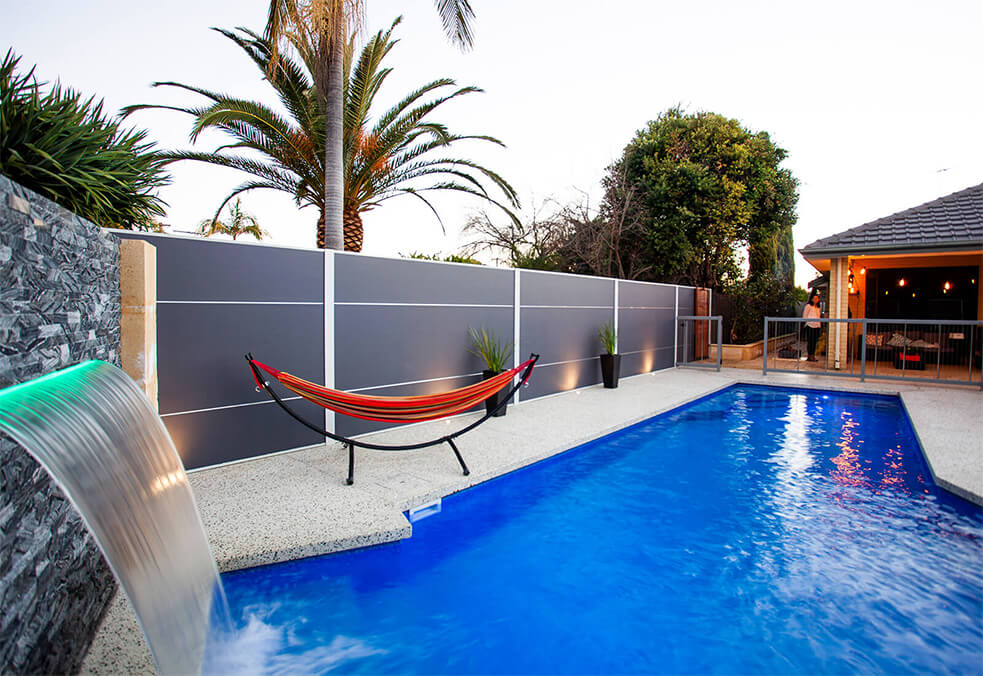 Competition winner's brilliant pool wall with expressed joint feature!