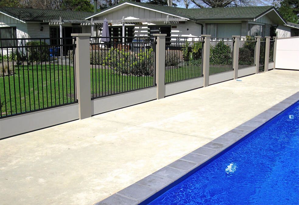 Pool wall with customised steel infills